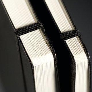Notizbuch Master (225 x 315 mm), 121 numerierte Seiten, liniert